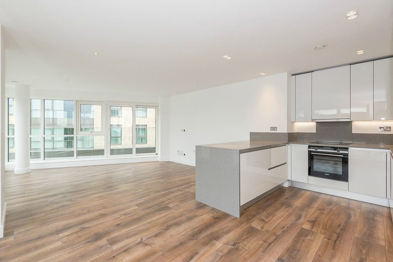 3 bedroom(s) apartment to sale in Quartz House, Dickens Yard, Ealing-image 5