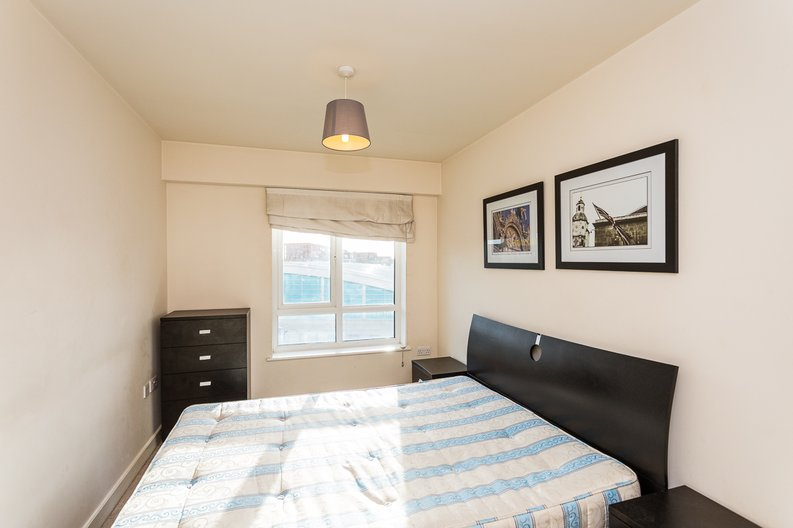 1 bedroom(s) apartment to sale in Curtiss House, Heritage Avenue, Beaufort Park, Colindale-image 8
