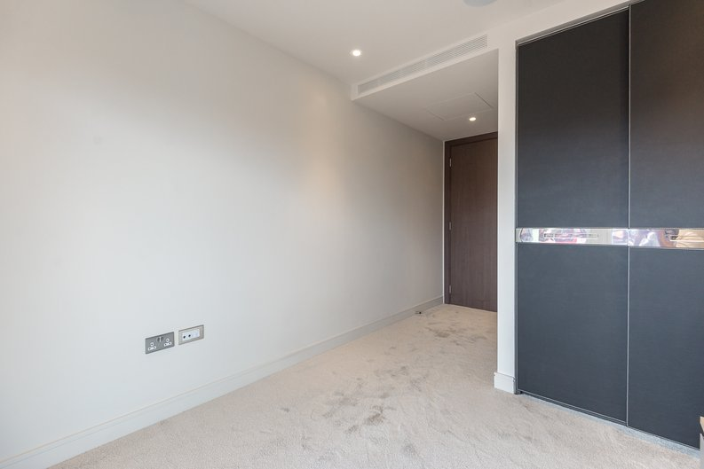 3 bedroom(s) apartment to sale in Brunswick House, Parr's Way, Fulham Reach, London-image 6