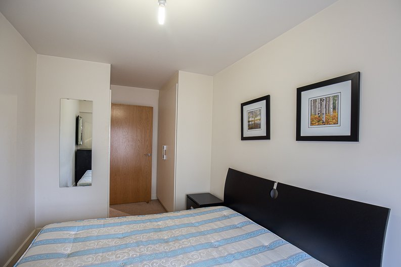 1 bedroom(s) apartment to sale in 27 Heritage Avenue, London-image 9