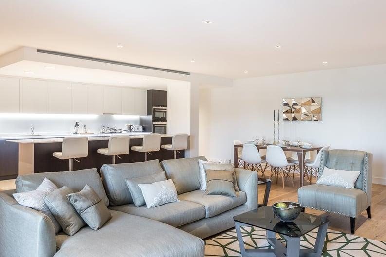 2 bedroom(s) apartment to sale in Rothschild House, Kew Bridge Road, Kew, Brentford-image 7