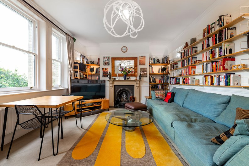 3 bedroom(s) apartment to sale in Hampstead Lane, Highgate-image 3
