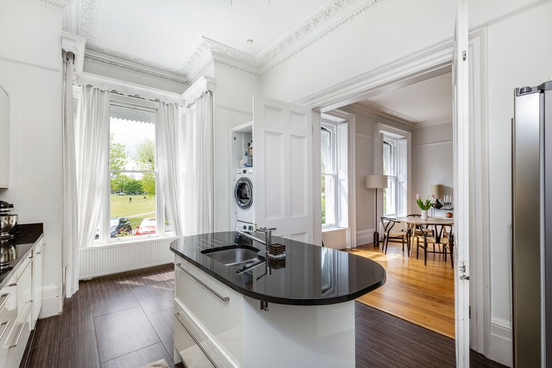 2 bedroom(s) apartment to sale in The Green, Surrey, Richmond-image 14