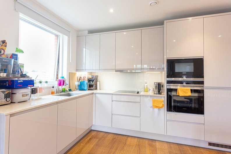 2 bedroom(s) apartment to sale in Lismore Boulevard, Colindale, Colindale Gardens, London-image 2