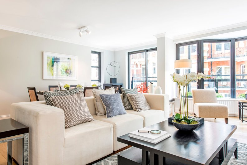 3 bedroom(s) apartment to sale in Drayton Gardens, Chelsea, London-image 20