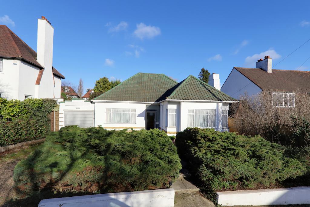 Luctons Avenue, Buckhurst Hill, Essex