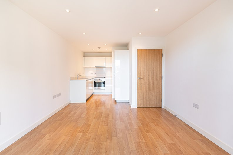 1 bedroom(s) apartment to sale in Goodchild Road, Woodbury Down, London-image 5