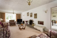 3 Watson Garth, Appleton Roebuck, York - property photo #4