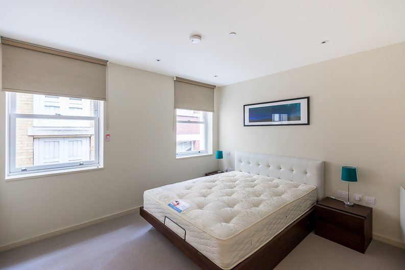 2 bedroom(s) apartment to sale in 27 Lovat Lane, London-image 3
