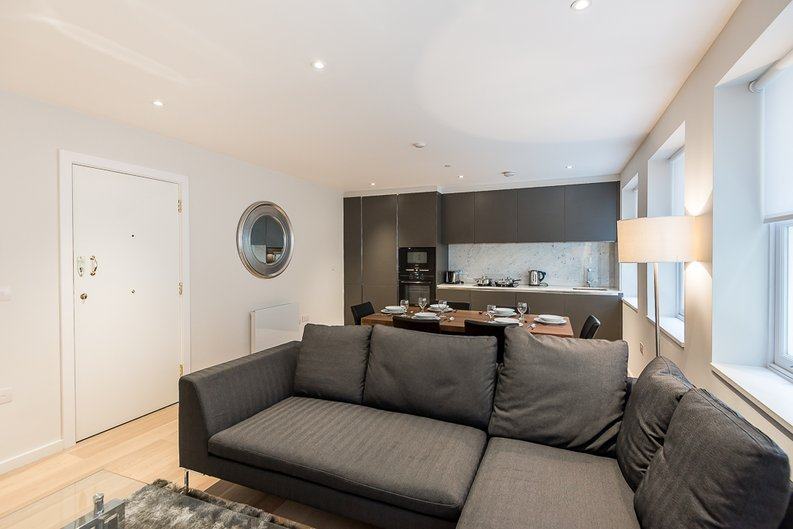 2 bedroom(s) apartment to sale in 27 Lovat Lane, London-image 7