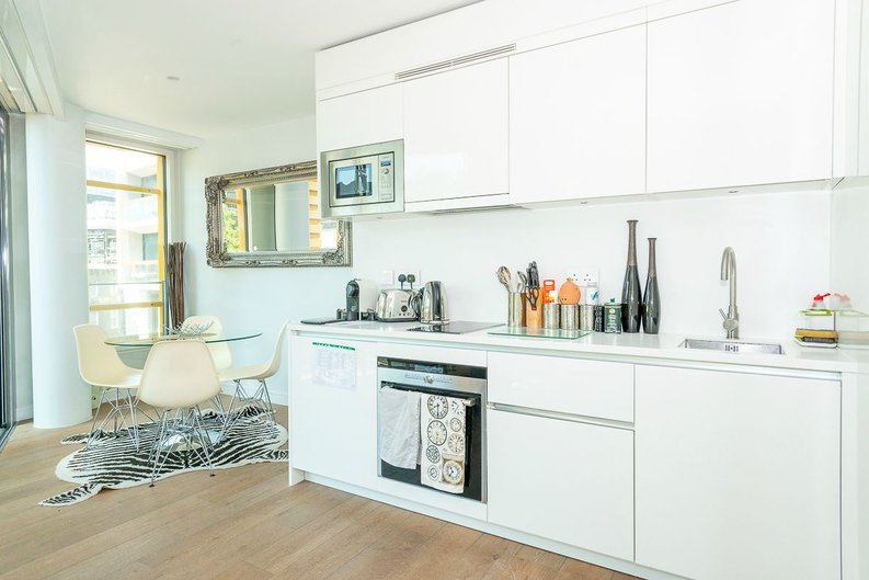 1 bedroom(s) apartment to sale in 5 Central St Giles Piazza, London-image 2