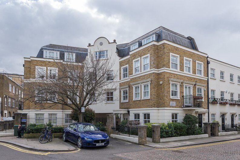 2 bedroom(s) apartment to sale in Trafalgar Gardens, South End Row, London-image 1