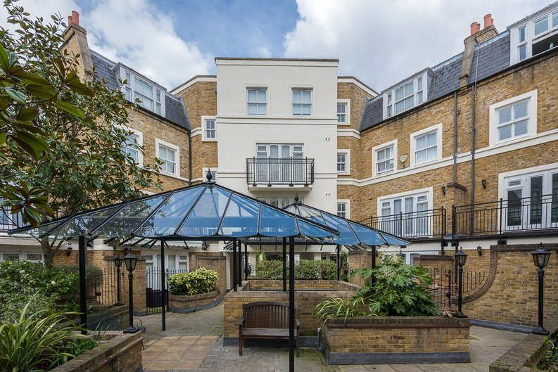 2 bedroom(s) apartment to sale in Trafalgar Gardens, South End Row, London-image 6