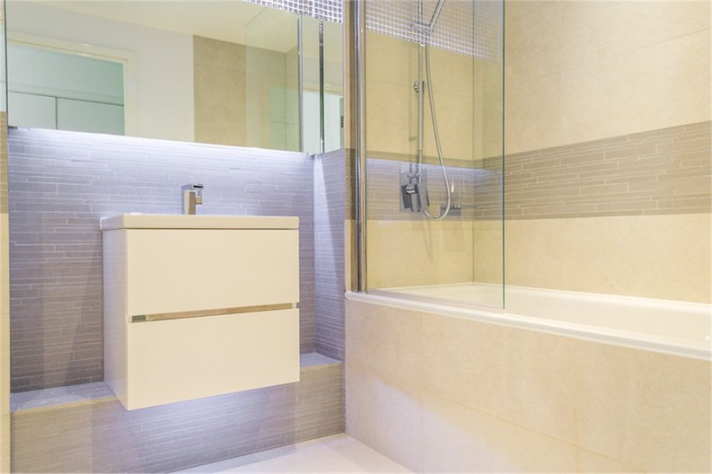 1 bedroom(s) apartment to sale in Sirius House, Seafarer Way, London-image 4