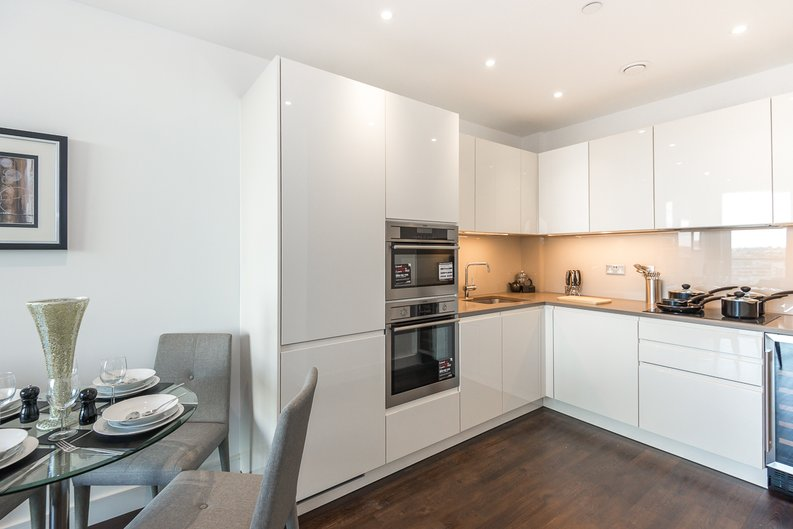1 bedroom(s) apartment to sale in Pinto Tower, 4 Hebden Place, London-image 2