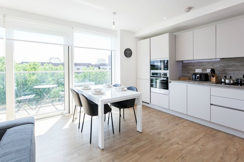 2 bedroom(s) apartment to sale in Gothenburg Court, Bailey Street, London-image 2