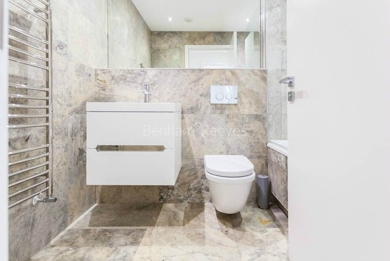 2 bedroom(s) apartment to sale in Sands End House, 120 Broughton Road, London-image 11