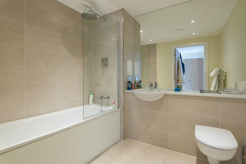 1 bedroom(s) apartment to sale in Arc House, 16 Maltby Street, London-image 5