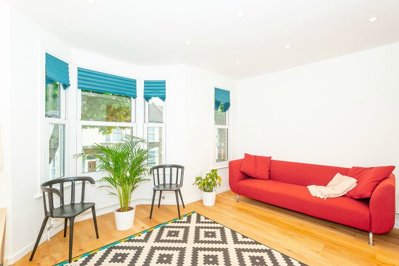 2 bedroom(s) apartment to sale in Third Avenue, London-image 2