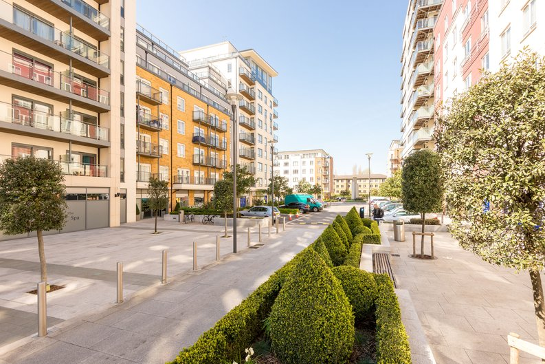 Studio apartment to sale in Cornelia House, 3 Caversham Road, Beaufort Park, London-image 1