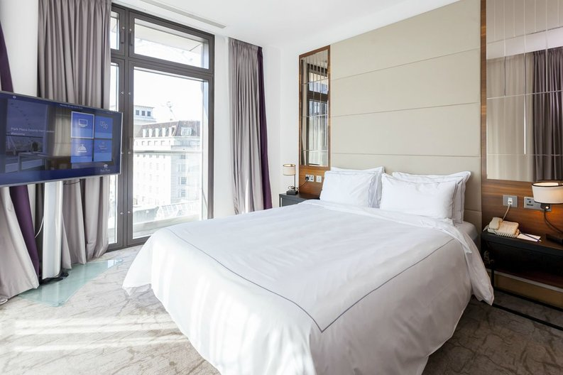 1 bedroom(s) apartment to sale in County Hall, 1 Addison Street, London-image 2
