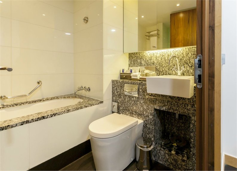 1 bedroom(s) apartment to sale in County Hall, 1 Addison Street, London-image 5