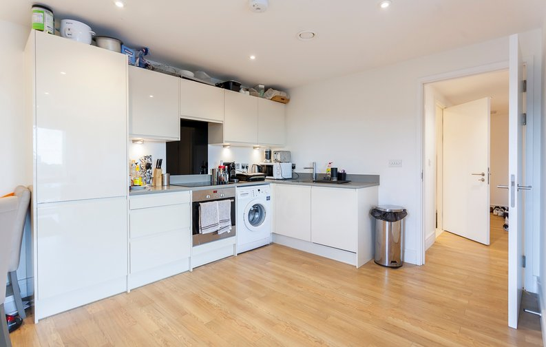 2 bedroom(s) apartment to sale in Hippersley Point, 4 Tilston Bright Square, London-image 3