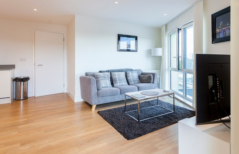 2 bedroom(s) apartment to sale in Hippersley Point, 4 Tilston Bright Square, London-image 8
