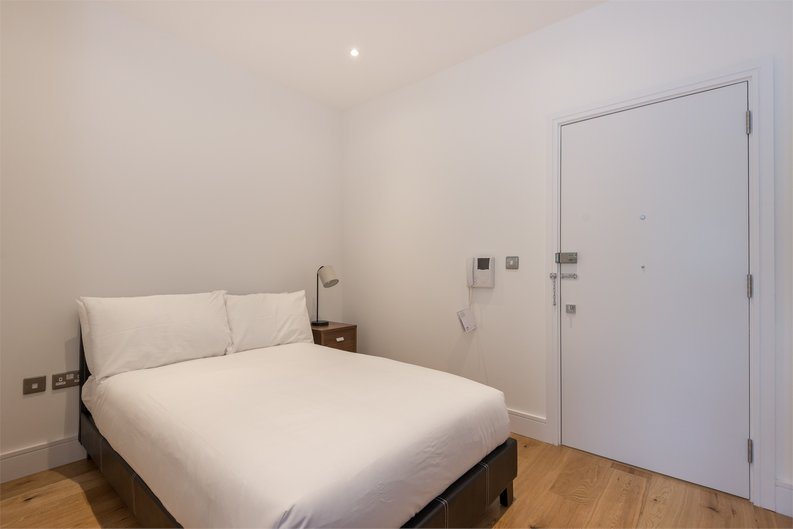 1 bedroom(s) apartment to sale in The Printworks, Clapham Road, London-image 3