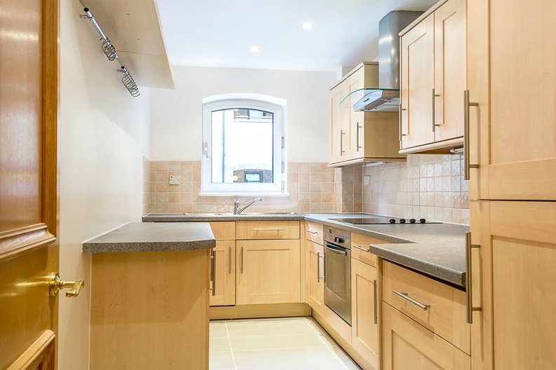 2 bedroom(s) apartment to sale in Scotts Sufferance Wharf, 5 Mill Street, London-image 3