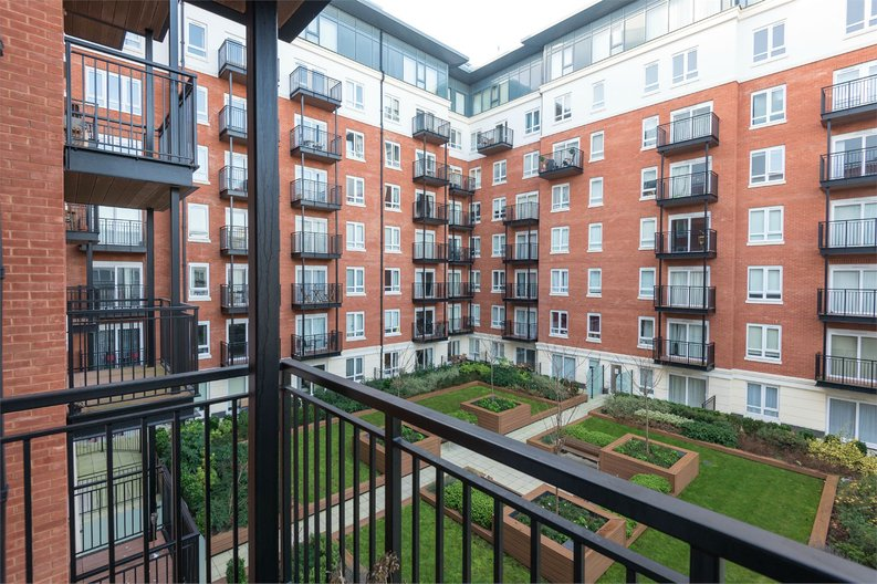 1 bedroom(s) apartment to sale in Golding House, 11 Beaufort Square, London-image 7