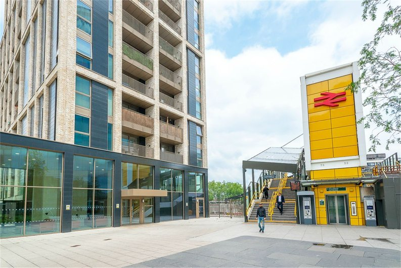2 bedroom(s) apartment to sale in Vita Apartments, 1 Caithness Walk, Surrey, Croydon-image 1