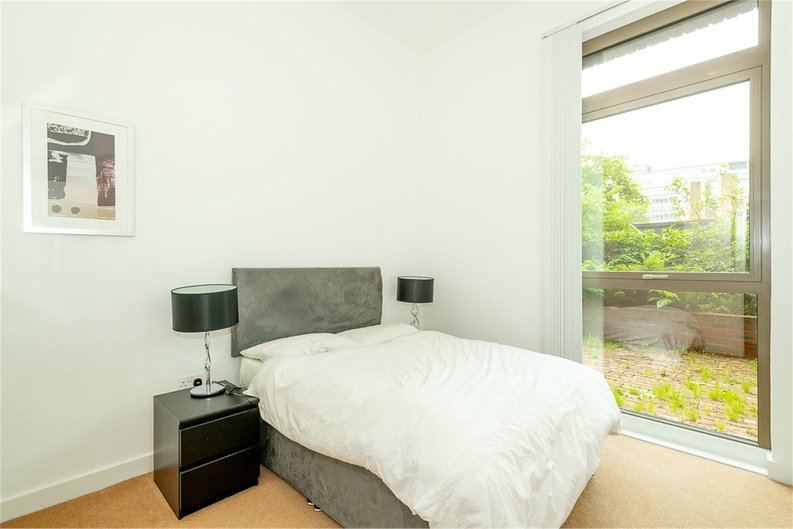 2 bedroom(s) apartment to sale in Vita Apartments, 1 Caithness Walk, Surrey, Croydon-image 3