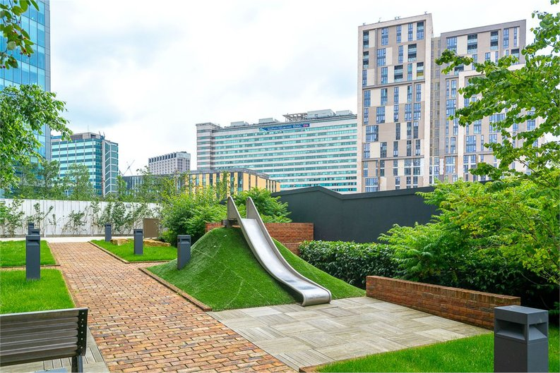2 bedroom(s) apartment to sale in Vita Apartments, 1 Caithness Walk, Surrey, Croydon-image 7