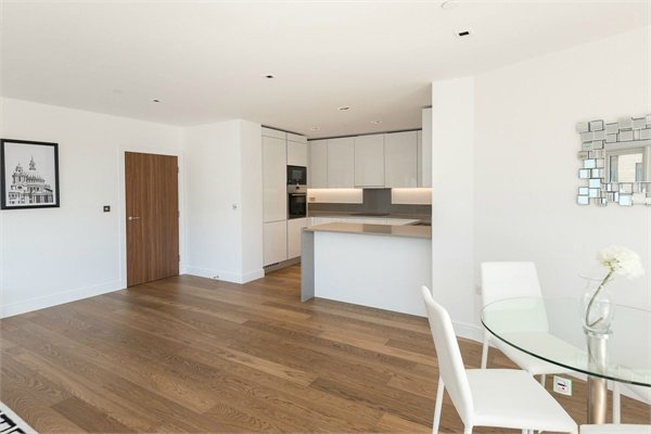 2 bedroom(s) apartment to sale in Dashwood Apartments, Dickens Yard, Longfield Avenue-image 3
