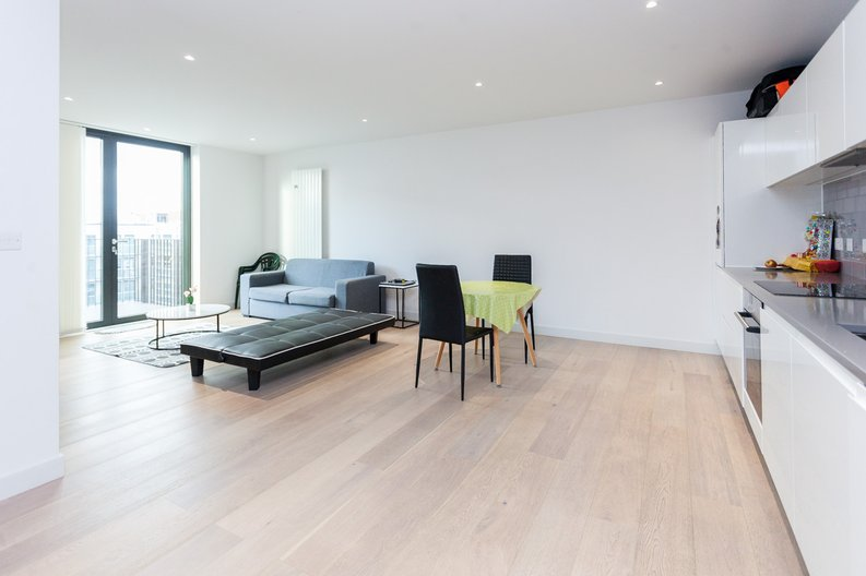 1 bedroom(s) apartment to sale in Masthead House, 14 Rope Terrace, London-image 6