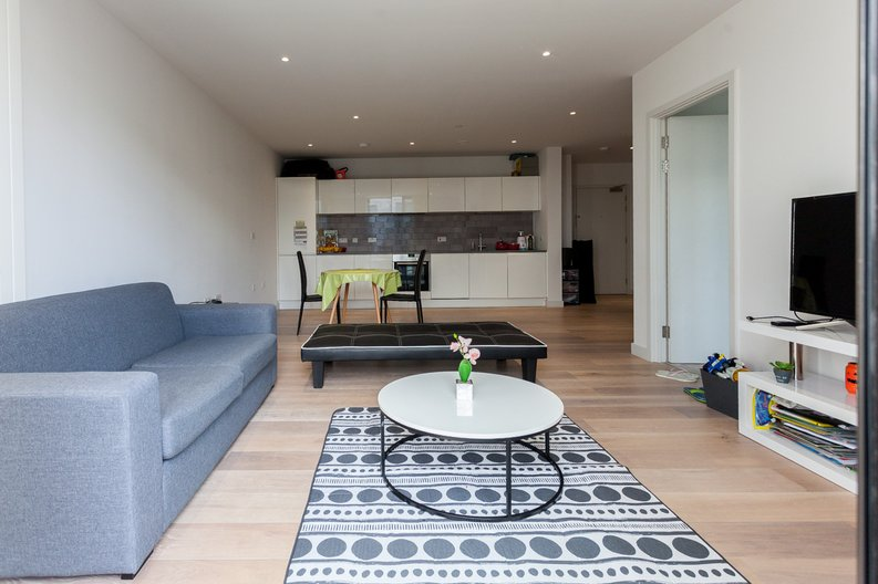 1 bedroom(s) apartment to sale in Masthead House, 14 Rope Terrace, London-image 3