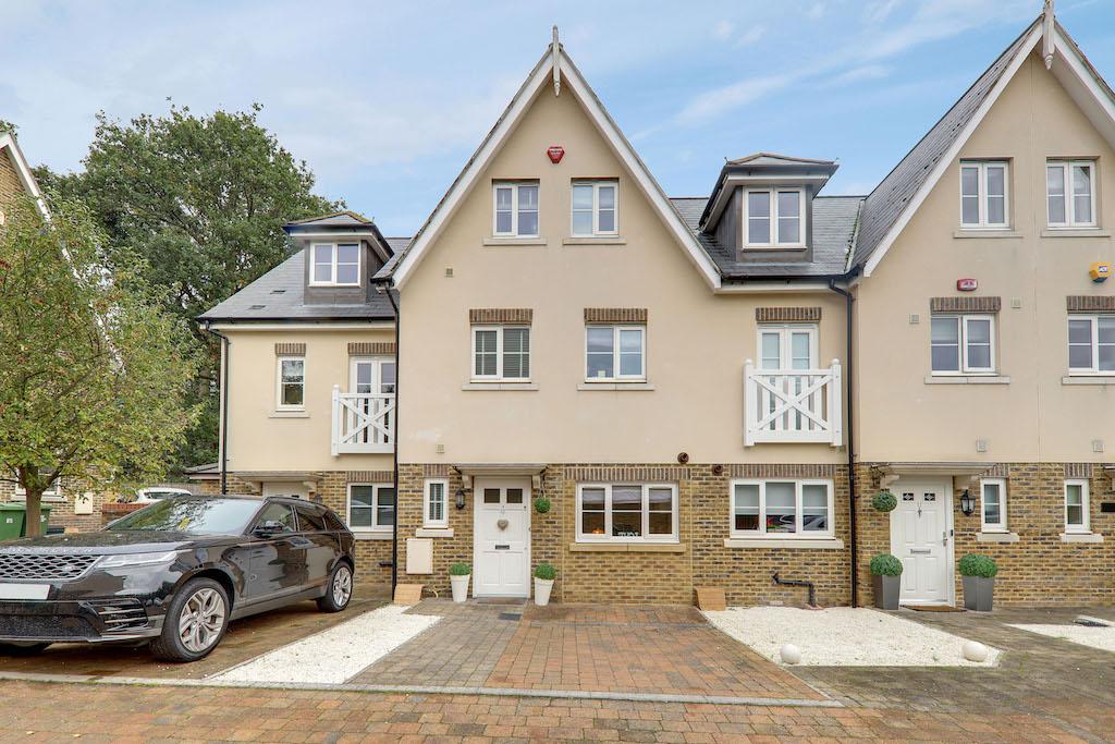 Bradfords Close, Buckhurst Hill, Essex