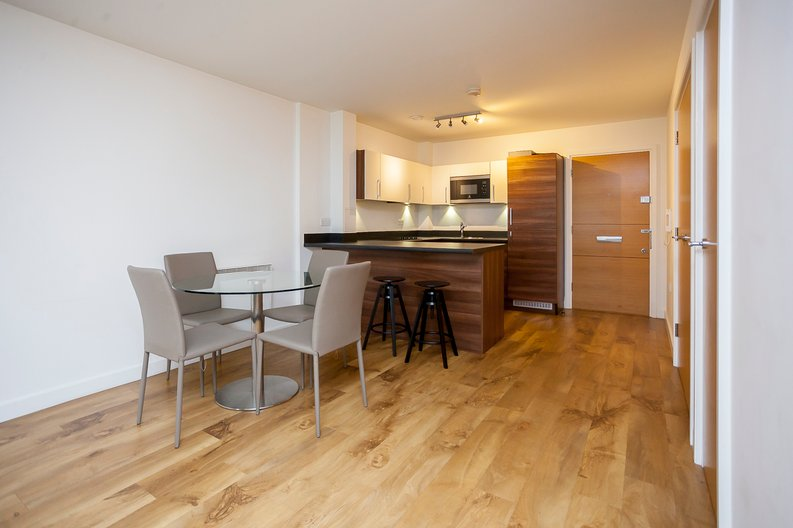 1 bedroom(s) apartment to sale in 17 Park Lodge Avenue, Greater London, West Drayton-image 3