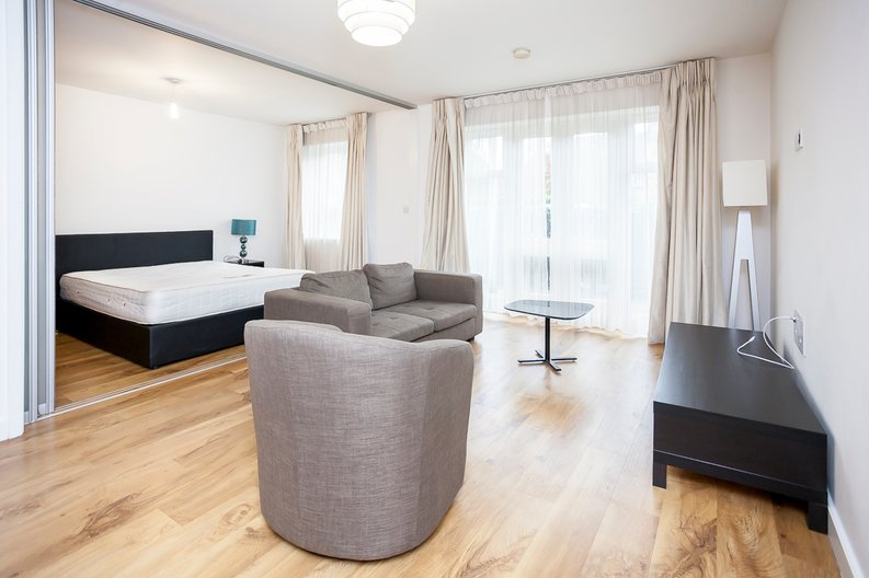 1 bedroom(s) apartment to sale in 17 Park Lodge Avenue, Greater London, West Drayton-image 2