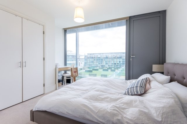 2 bedroom(s) apartment to sale in Highbury Stadium Square, London-image 3
