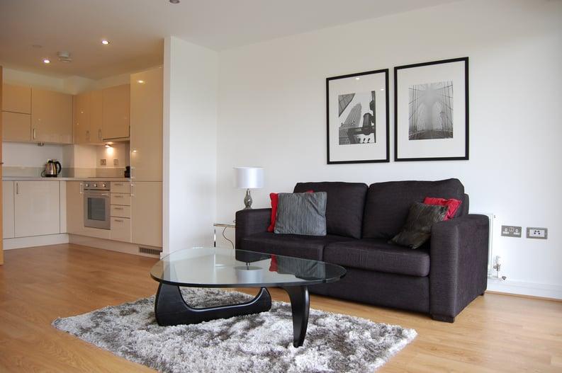 2 bedroom(s) apartment to sale in Craig Tower, Aqua Vista Square, London-image 7