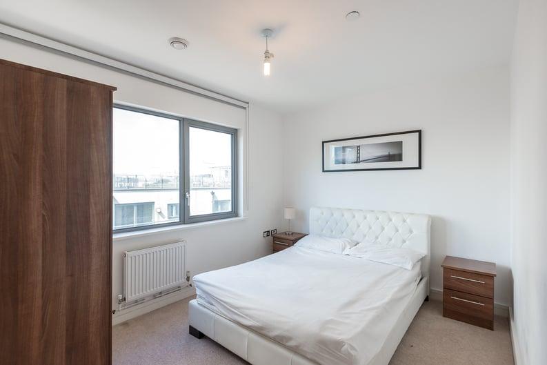 2 bedroom(s) apartment to sale in Craig Tower, Aqua Vista Square, London-image 3