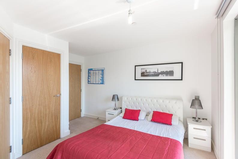 2 bedroom(s) apartment to sale in Craig Tower, Aqua Vista Square, London-image 8