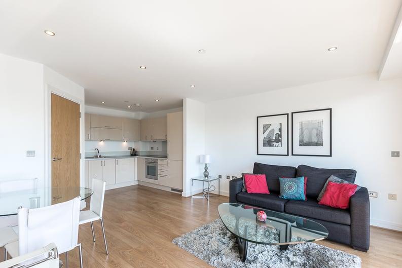 2 bedroom(s) apartment to sale in Craig Tower, Aqua Vista Square, London-image 9