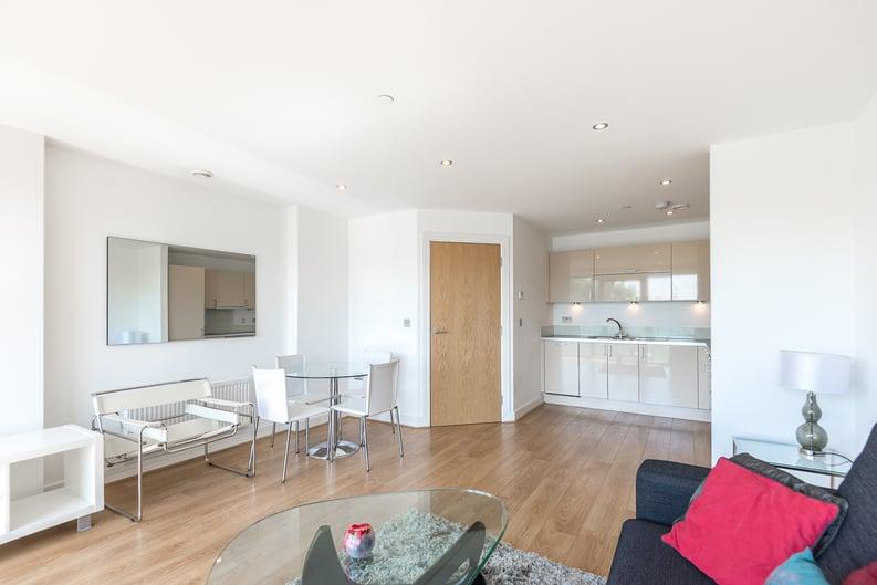 2 bedroom(s) apartment to sale in Craig Tower, Aqua Vista Square, London-image 10