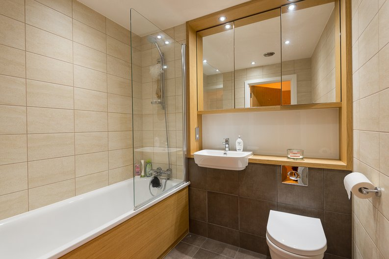 1 bedroom(s) apartment to sale in River Mill One, Station Road, London-image 7