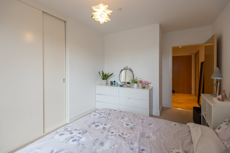 1 bedroom(s) apartment to sale in River Mill One, Station Road, London-image 8