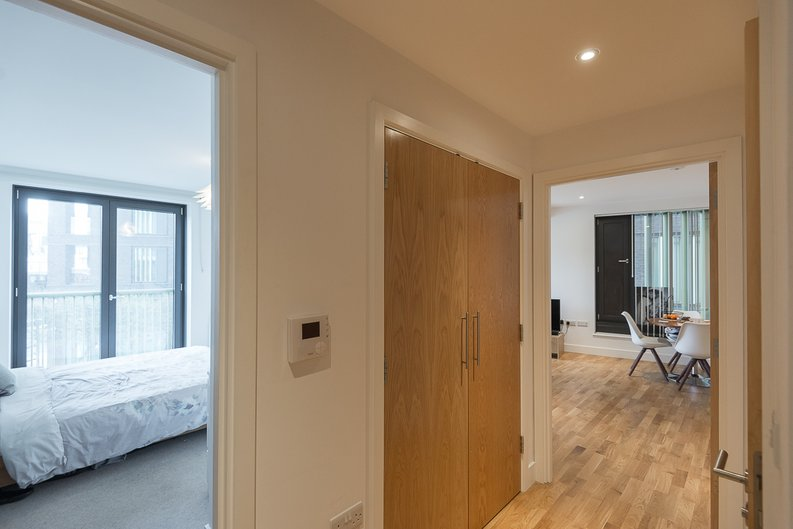 1 bedroom(s) apartment to sale in River Mill One, Station Road, London-image 5