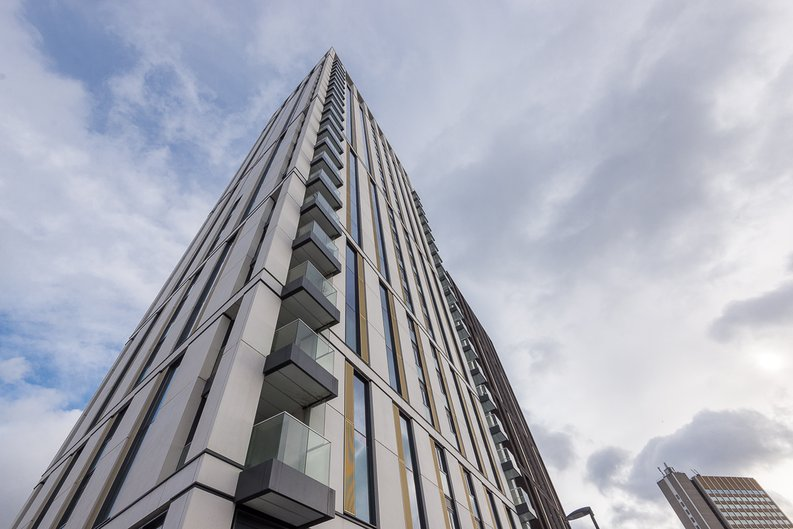 1 bedroom(s) apartment to sale in River Mill One, Station Road, London-image 3